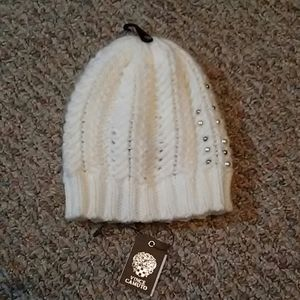 VINCE CAMUTO Chunky Yarn Hat With Pearls